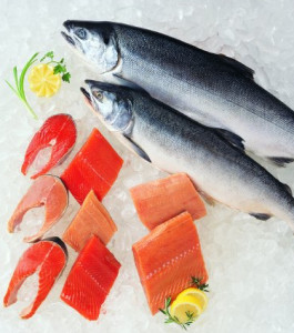 Raw_Whole_and_Filleted_Salmon